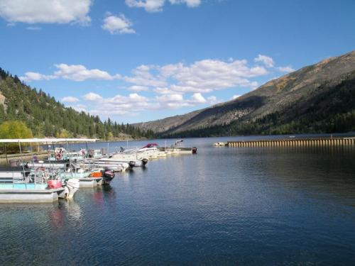 62935-f6_twin_lake_upper.jpg