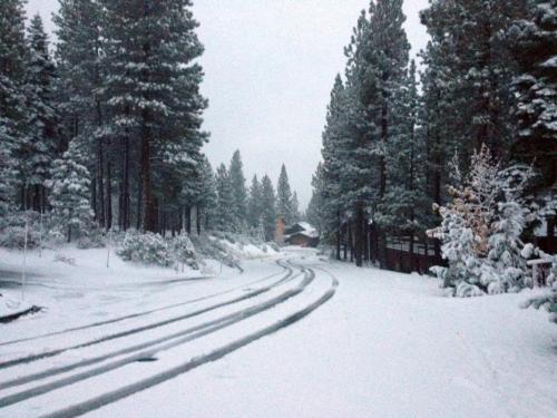 62645-snow_on_street_10.22.12.jpg