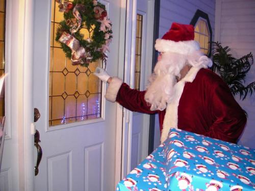 68925-ccso_christmas_knock.jpg