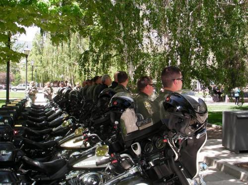 70582-le_bike_cops.jpg