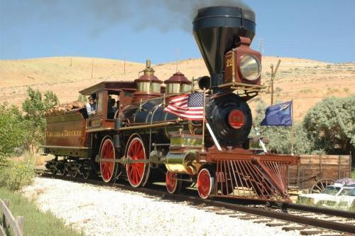71468-july4_train.jpg